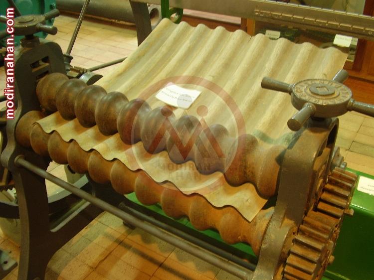 یک دستگاه تولید کرکره ای قدیمی در موزه ی صنعت انگلیس